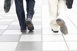 STEP 2 ご予約いただいた日時にご来所下さい。のイメージ